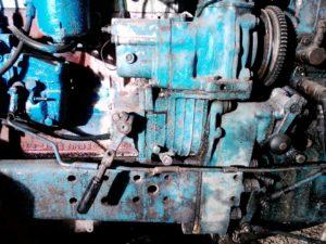 Пусковой двигатель трактора