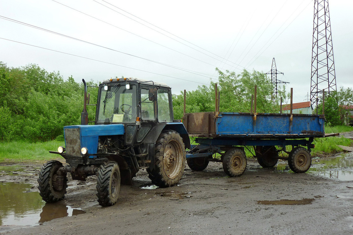 трактор мтз с прицепом